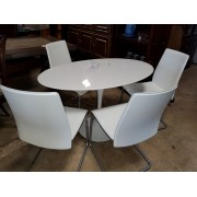 White Oval Dining Table - 4 Calligaris Dining Chairs