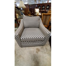 Grey / Cream Upholstered Chair