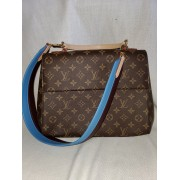 LOUIS VUITTON LIKE NEW PURSE