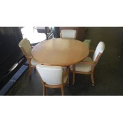 Round Wood Table / 4 Chairs / 1 Leaf