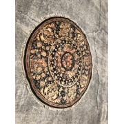 6 FT Round / Black Tan Accent Rug