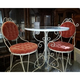 White Metal Table With 2 Chairs